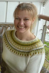 """""""Lemon white"""" pullover. Photo K. Frisk"""