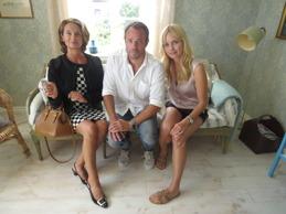 Suzanne Reuter, David Hellenius och Izabella Scorupco.
