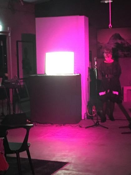 No Tell Motel, En performence av Ava Valsten under kulturnatten i Halmstad