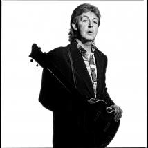 Clive Arrowsmith -McCarney,BW.Hofner-Bass-Arrowsmith.©