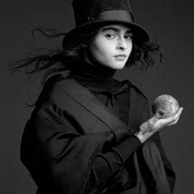 Clive Arrowsmith Helena-Bonham-Carter.with-peach,-Arrowsmith,©