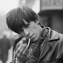 terry O`neill keith-richards-rolling-stones-the-red-list kopia 2