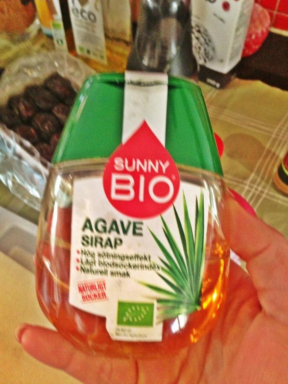 Istället för vanlig honung använde vi oss av detta Agave Sirap.
