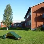 Dag 14 - Eftersom Jänsmässholmens fjällhotell var stängt använde jag tomten som tältplats
