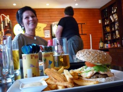 Dag 9 - Husets hamburgare och en god öl