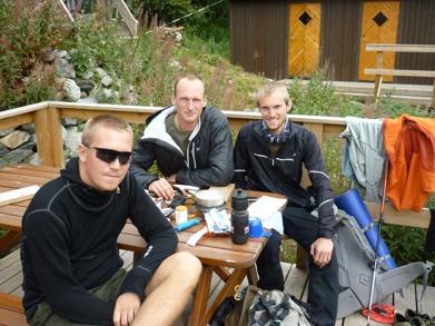 Dag 44 - Av en slump mötte jag Peter (mitten) som skidade Vita bandet 2010