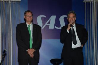 Moderator med Lars-Olof Lindgren, Sveriges ambassadör i Indien