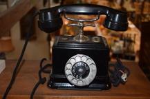 397. Telefon