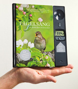 Fågelsång kompakt. A compact version of the bestseller Birdsong. Published in 3 countries and a huge succes like its bigger version. Now wth maps and plugin for earphones. Published 2011