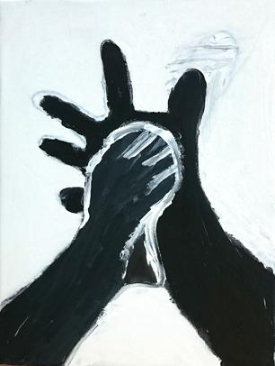 Foto på svartvit målning av en fot som trampar på en hand.