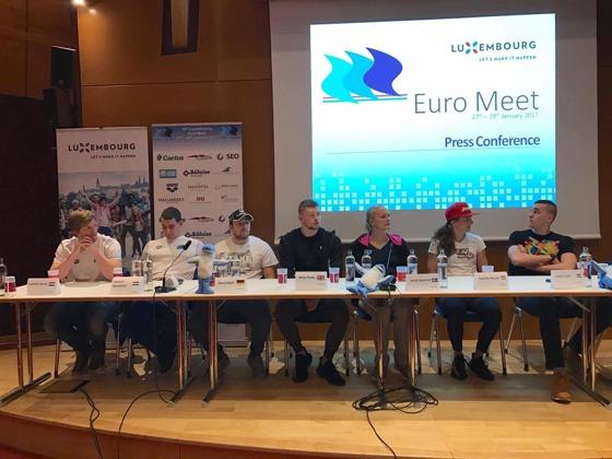 Från fredagens presskonferens: Frv. Carnol LUX,  Stacchiotti LUX, Koch GER, Peaty GBR, Sjöström SWE, Hosszu HUN och Cseh HUN - foto Jussi Salminen