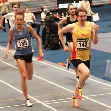 Niklas visar på stark vilja i 1500-metersloppet