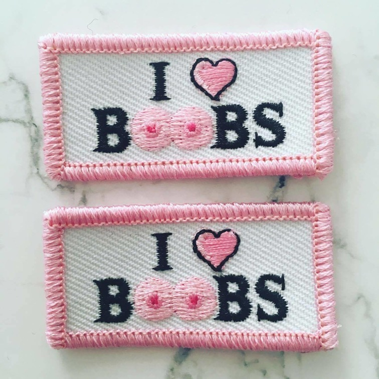 We collaborated with students from Jönköpings International Business School, creating patches who also give their profit to the Breast Cancer Foundation. Press the picture to come to their websit.
