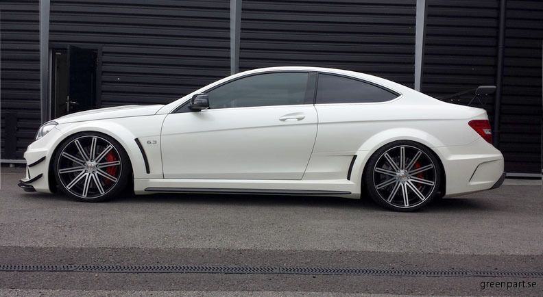 T225_Mercedes_8.5x20F_9.5x20R_1-me