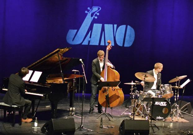 Oskar Lindström Trio Foto: Mats Blomberg