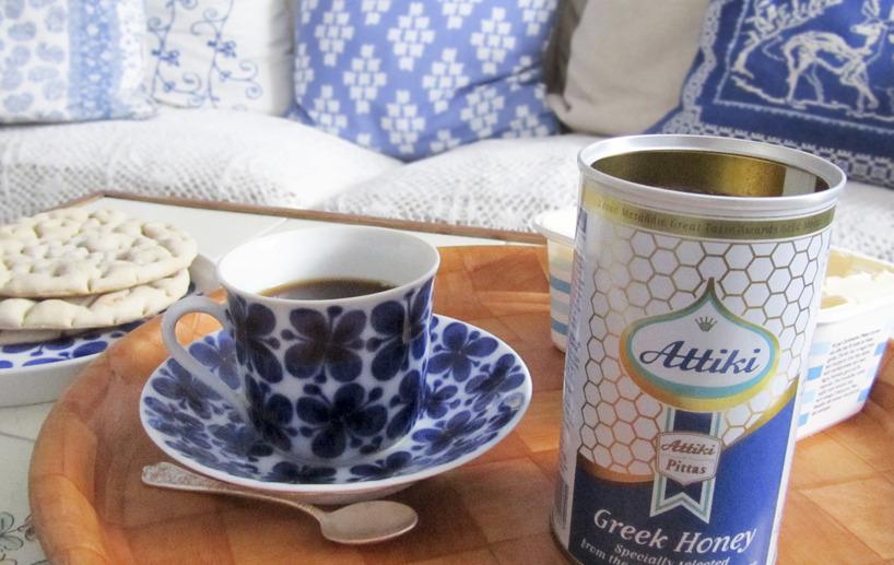 Kaffe och god grekisk honung