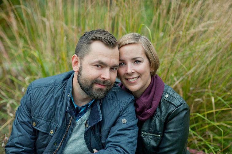 Fotograf Brigitte Grenfeldt, familjefoto, familjefotografering, utomhus, on location, porträttfoto, porträttfotograf Stockholm