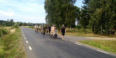 Veteranmarschen påväg mot Skara 2014