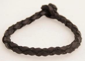 Rundflätat svart läderarmband - 15 centimeter