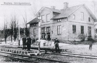 Bispbergs stationshus byggdes till invigningen 1880. Den förste stinsen hette A Kallin.
