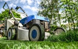 lawnmower-384589_1920