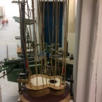 Glueing topp with bamboosticks