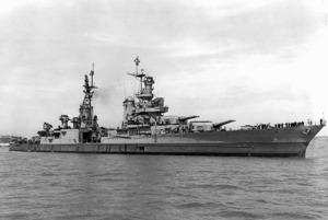 U.S.S. Indianapolis 19 dagar innan olyckan i Stilla Havet.