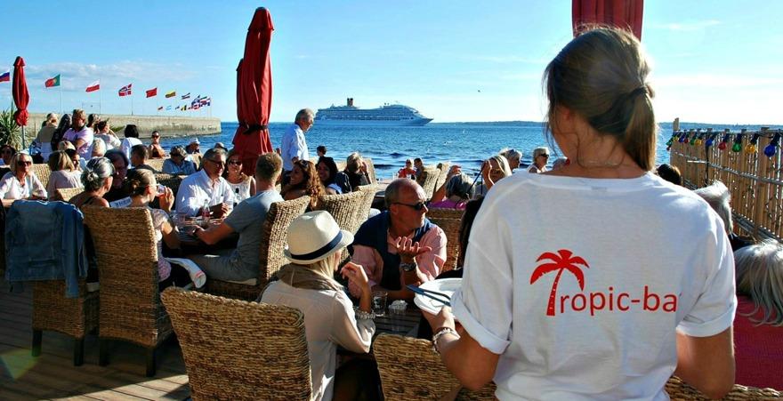 Tropic Bar på Tropical beach vid sundet i Helsingborg