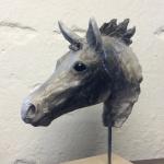 Hästhuvud skulptur