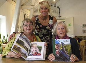 Damerna bakom boken är fr v Margareta Arteus Thor, Lena Stävmo och Kerstin Hallberg.