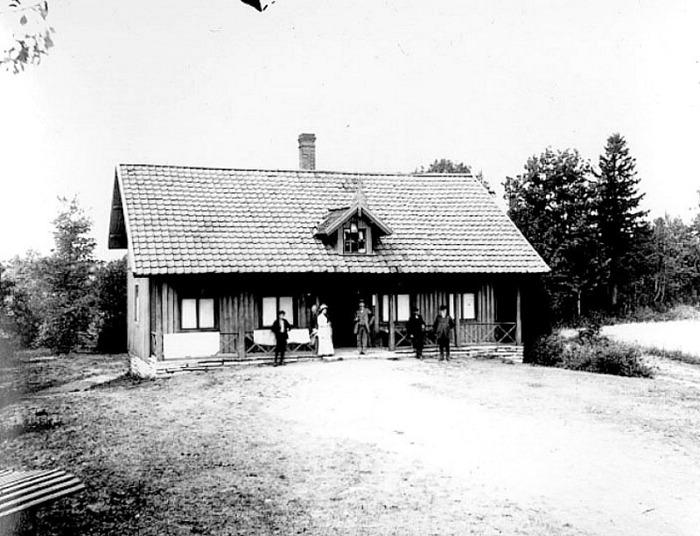 A. 28 (5) Endast digital bild! Himmelskällans badhus 1920-tal. Foto Ernst Juhlin. Västergötlands Museum - bildarkivet/bildnummer: B145193:38. Insatt av Kent Friman, 2014-02-24.