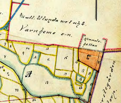 Karta för Himmelsberget 1915, där man ser vilken äga som nu är Himmelskällan med körväg rakt åt höger (öster) mot landsvägen. Äga Nr 20 - granne t. Himmelskäl- lan - är en mosse & a betecknar Torftäkt