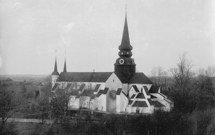 D. 10 a Kyrkan före restaureringen 1923