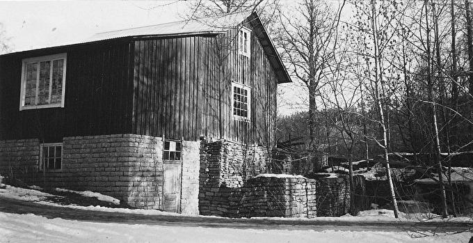 Gustavsfors kvarn 1995. Delvis riven, bl a hjulhuset. Foto Alf Hansson.