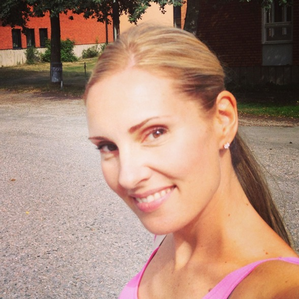 Hannah Holgersson, on her way to the rehearsal!