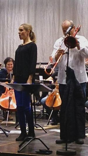Hannah Holgersson and Nils Landgren in a duet. Photo: Cecilia Tegenfeldt