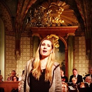 "Hannah Holgersson singing ""Aus Liebe"" during dress rehearsal."
