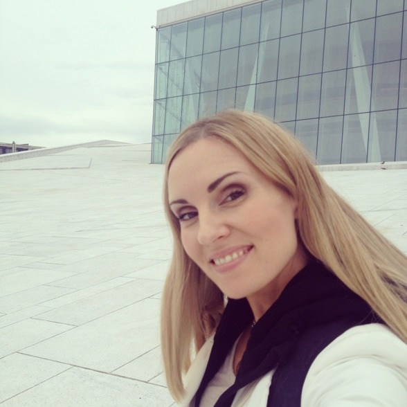 Hannah Holgersson on the roof of the Oslo Opera!