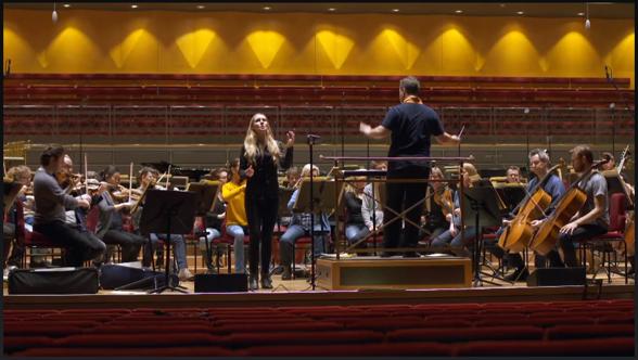 "Hannah Holgersson singing ""O dessa ögon"" with the Stockholm Royal Philharmonic Orchestra and conductor Sakari Oramo. November 20th 2014."