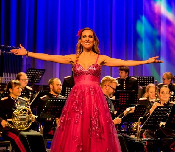Hannah Holgersson during concert in Bardufoss with Forsvarets Musikkorps Nord-Norge. Photo: Odd-Inge Larsen