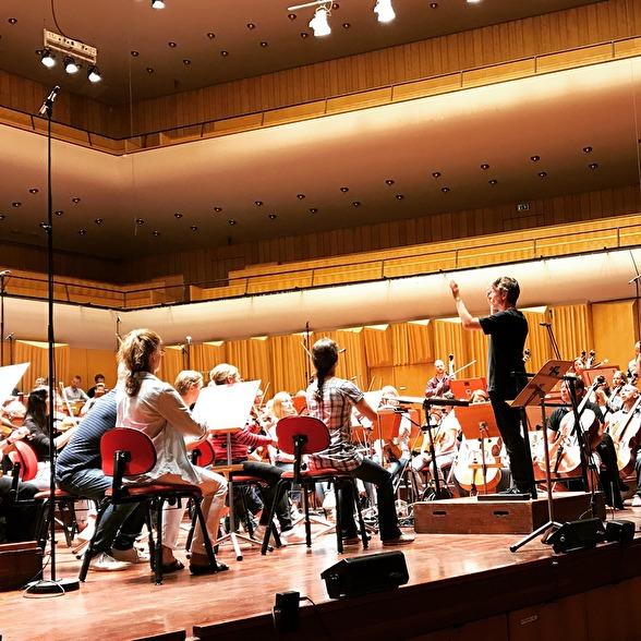 Maestro Esa-Pekka Salonen, the Swedish Radio Symphony Orchestra and the Swedish Radio Choir during runthrough of Aeterna