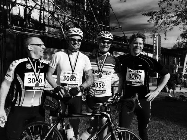 Team Fillinge Ultras cykelsektion efter målgång - Henrik, Fredrik, Johan och Andreas