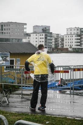 Trist väder inte vara för tävlande..! (bild: facebook/Vätter Challenge)