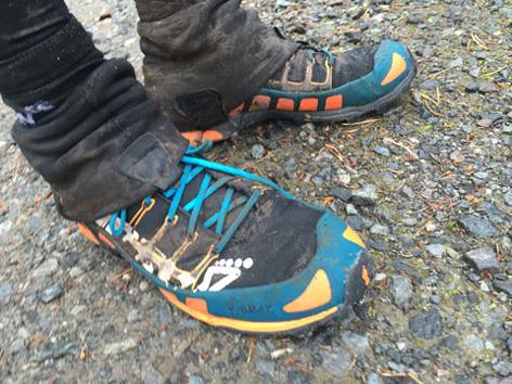 Renheten själva. Jag sköljde av skorna i en fjällbäck. Fint!