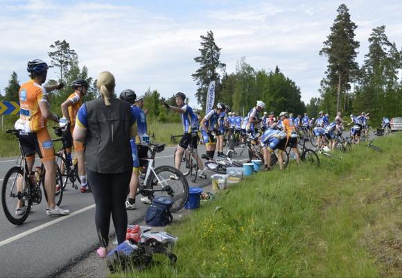 Langning i den första subgrupps-depån, Bankeryd. Fotograf: Monika Larsson.