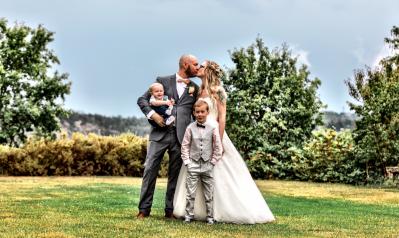 Elinor & Björn med familj på Högberga Lidingö