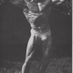 RÖRANDE 1981-43,Ricky Bruch poserandes i kalsonger 001