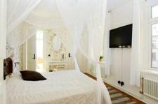 Se våra dubbelrum & enkelrum för boende på hotell och B&B i centala Varberg