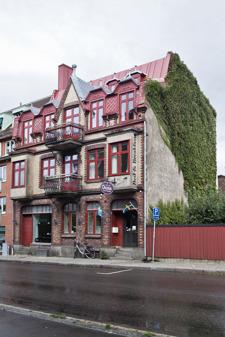 Hitta boemde på hotell i cantrala Varberg - boka Okens B&B
