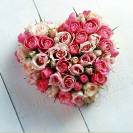pink-flowers-heart